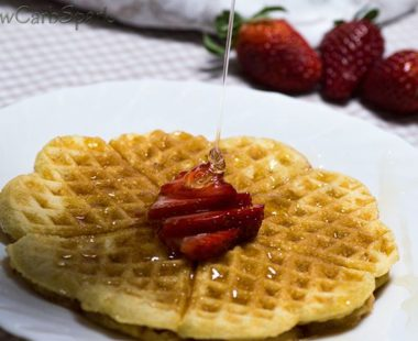 Easy Keto Waffles with Coconut Flour – Fluffy & Delicious