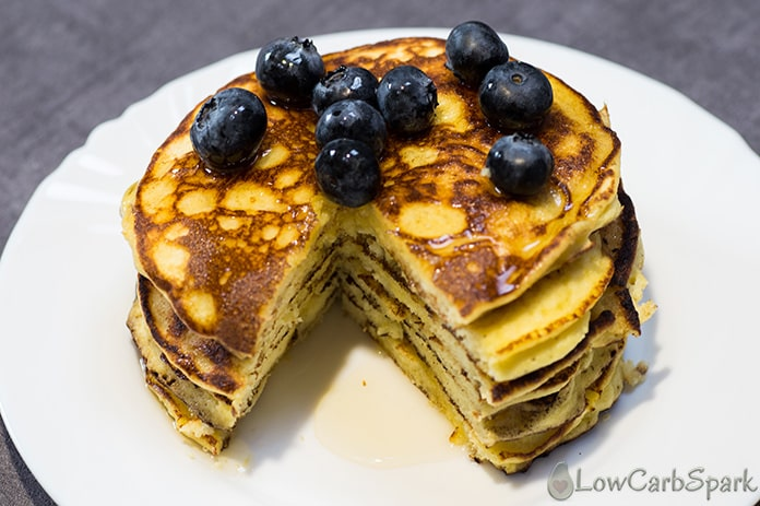 keto pancakes with coconut flour or almond flour