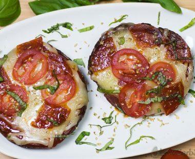 10-minute Portobello Keto Pizza – Low Carb Mushroom Crust