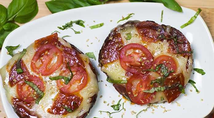 keto pizza portbello mushrooms low in carbs and super healthy