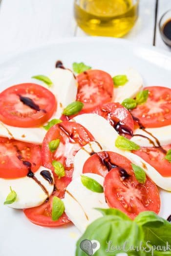 Easy Italian Caprese Salad Recipe