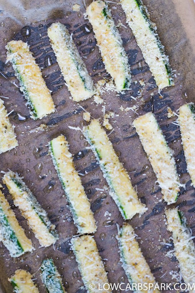 how to make parmesan zucchini fries lowcarbspark