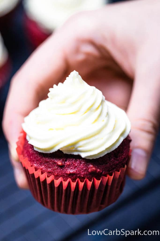low carb red velvet cupcakes with frosting