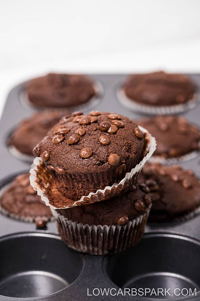 You are going to love these Paleo Chocolate Muffins that are  incredibly chocolatey, moist yet fluffy with crispy tops. Enjoy scrumptious which are only 3g net carbs and the perfect for breakfast or a quick snack.