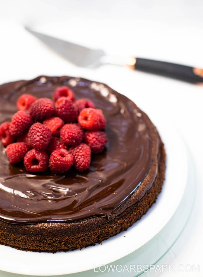 Try this easy and decadent flourless cake that's super easy to make. Everyone will love this cake that ready in 20 minutes.