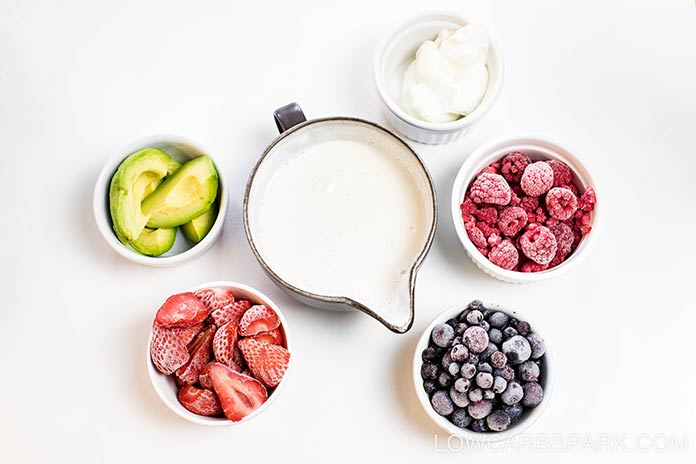 ingredients in keto berry smoothie